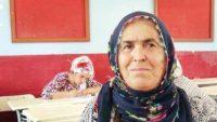 3 Doktor 1 Öğretmen 1 Hemşire Yetiştirdi, Kendisi Okuma Yazma Öğreniyor