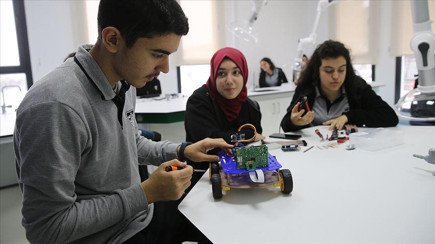 Photo of MEB Fen Lisesi Öğrencilerini Büyük Bilim Zirvesinde Buluşturuyor.