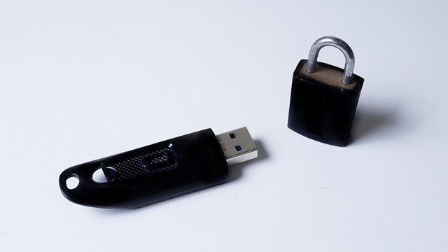 Photo of Salt Okunur USB Bellek Yazma Korumasını Kaldırma