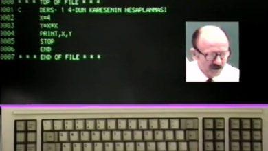 """Photo of 1986 Yılında Yapılmış TV Yayınında """"Bilgisayar Programlama Dersleri""""nde Prof. Dr. Oğuz Manas Fortran Programlama Dili Anlatılıyor"""